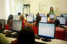 Laboratório do Curso de Informática em Bonsucesso