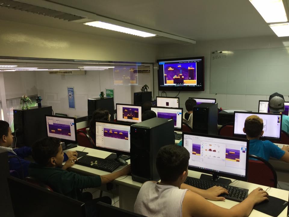 Turma de Games para Crianças e Adolescentes